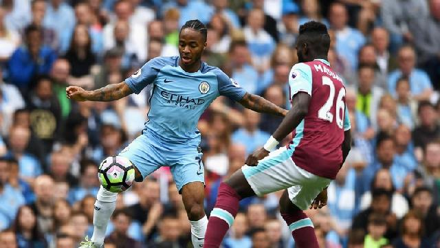 City Hancurkan West Ham, Sterling Dua Gol