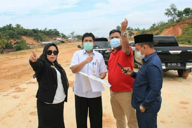 Komisi I DPRD Pekanbaru Tinjau Proyek Mangkrak di kawasan Perkantoran Tenayan Raya